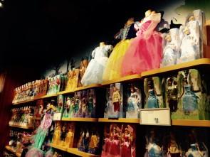 たくさんのお人形